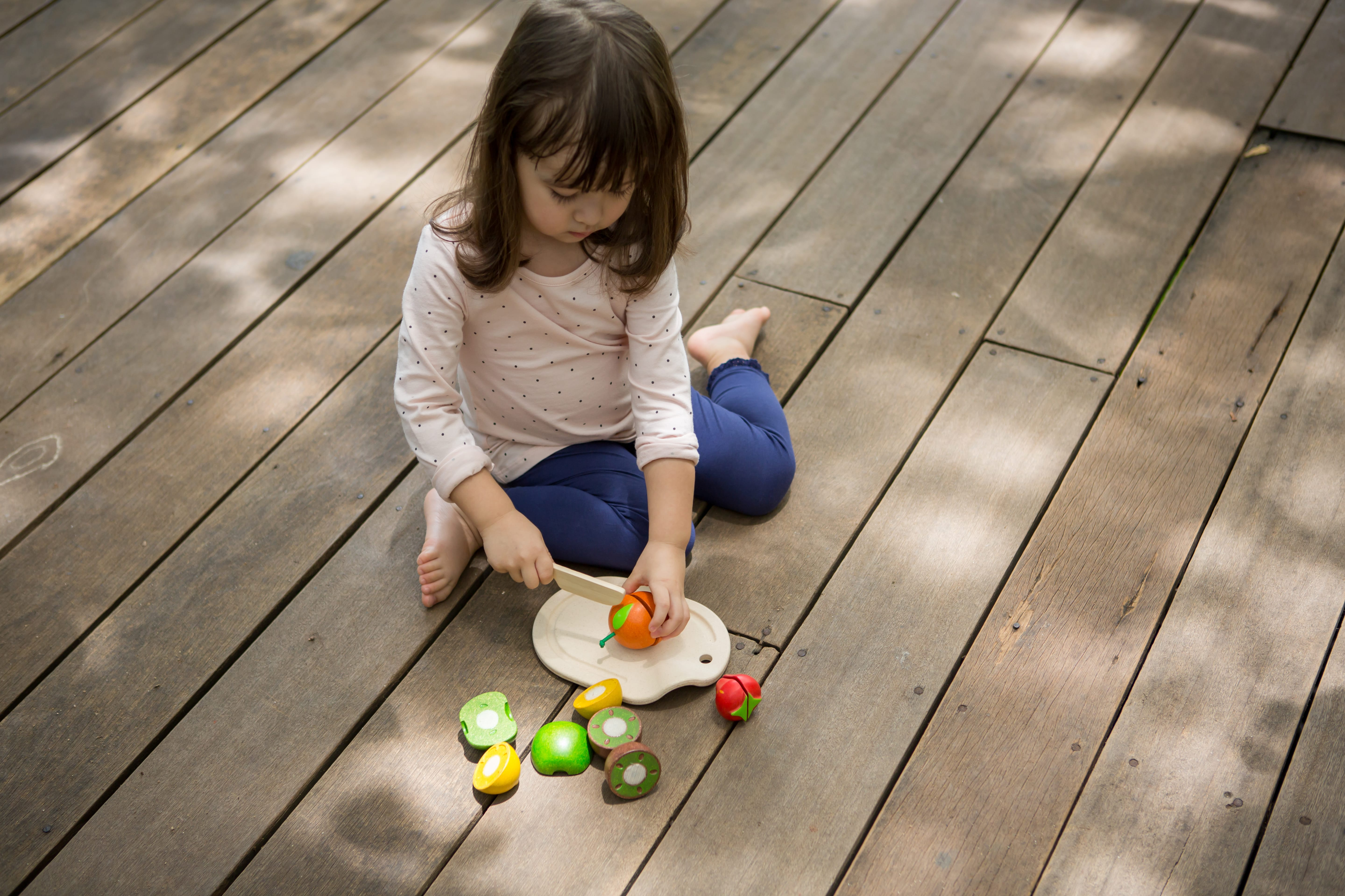 3600_PlanToys_ASSORTED_FRUIT_SET_Pretend_Play_Coordination_Concentration_Imagination_Language_and_Communications_Social_Fine_Motor_18m_Wooden_toys_Education_toys_Safety_Toys_Non-toxic_0.jpg
