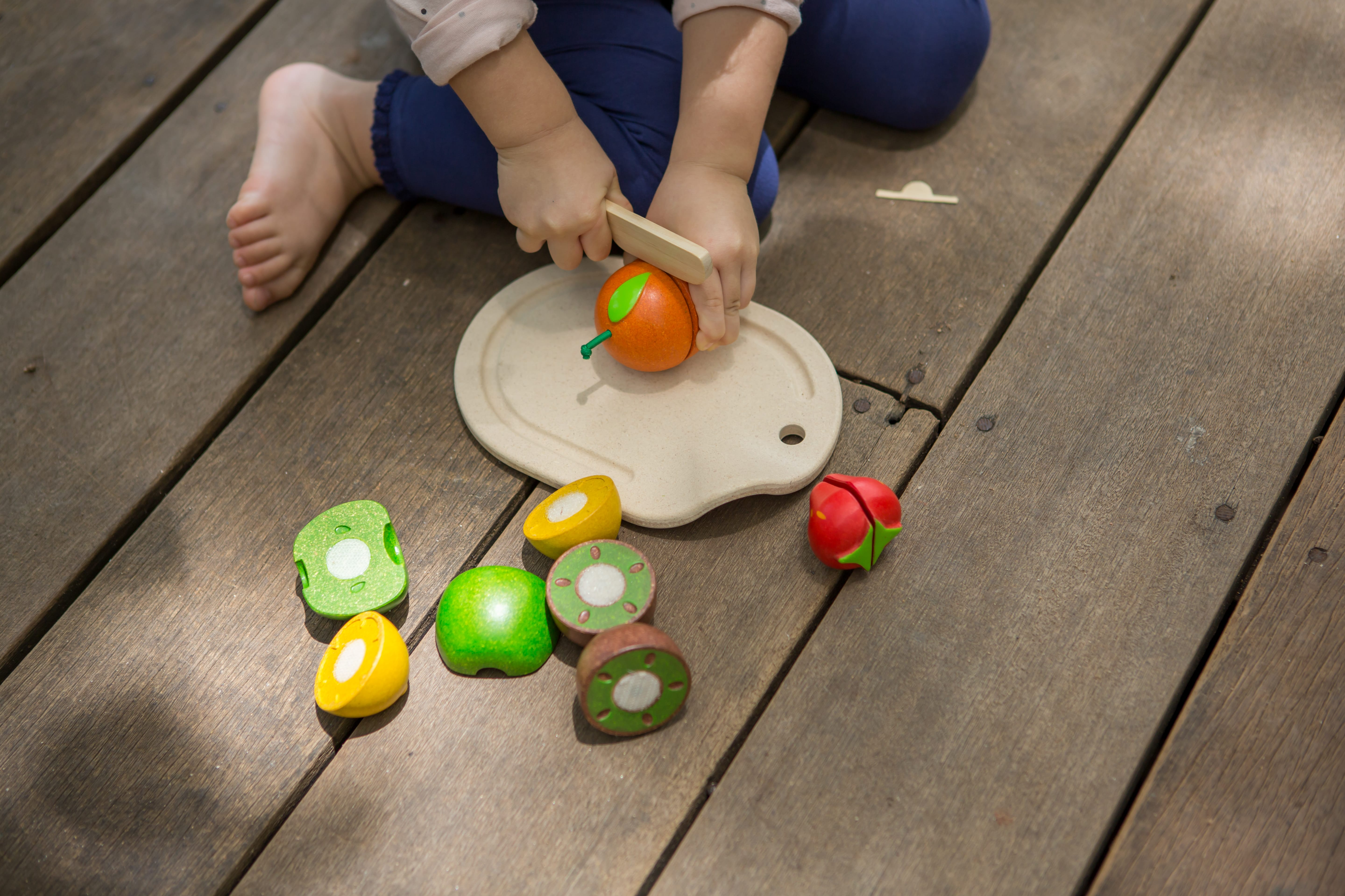 3600_PlanToys_ASSORTED_FRUIT_SET_Pretend_Play_Coordination_Concentration_Imagination_Language_and_Communications_Social_Fine_Motor_18m_Wooden_toys_Education_toys_Safety_Toys_Non-toxic_1.jpg